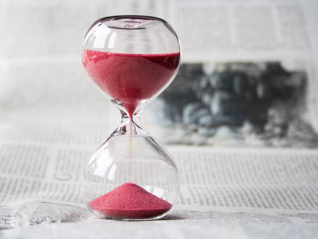 Image of sand timer to illustrate 'countdown'